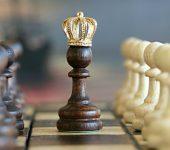 En el mundo empresarial: el que tiene la información, tiene el poder